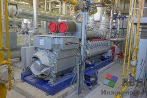 Газопоршневая установка MTU 20V4000L33. Вид сбоку на генератор со стороны кабельного ввода
